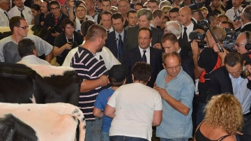 François Hollande lors de sa visite au Sommet de l'élevage en 2013.