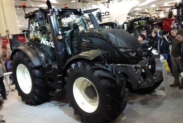 Le Finlandais d�voile ses nouveaux T : des tracteurs de 150 � 250 ch en Stage IV