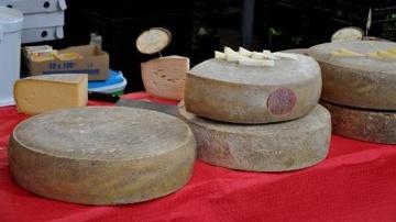 La crème des fromagers s'affronte dans un concours mondial