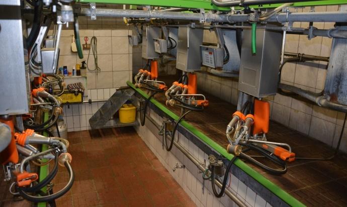 Salle de traite 2x3 avec bras et griffe System Happel