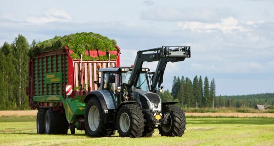 Tracteur n103 4 valtra et n123 direct et versu n163 unlimited - Cars et les tracteurs ...