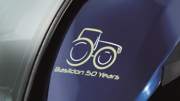 New Holland f�te 50 ans de production de tracteurs � Basildon
