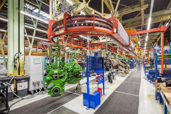 Les moteurs sont peints après avoir été testés au banc de puissance.