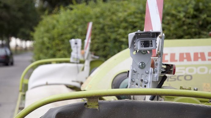 fliegl1-cameraHawk