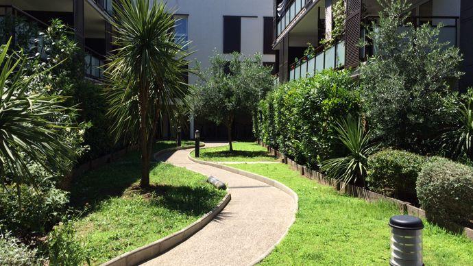 Aménagement des jardins d'un ensemble immobilier Icade à Castelnau-le-Lez (34) par la CMEVE.
