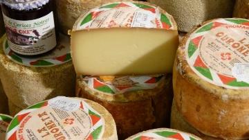Un milliard d'euros de ventes de produits laitiers en jeu pour l'UE