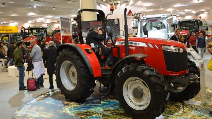 tracteur Massey Ferguson 4708 MF4708