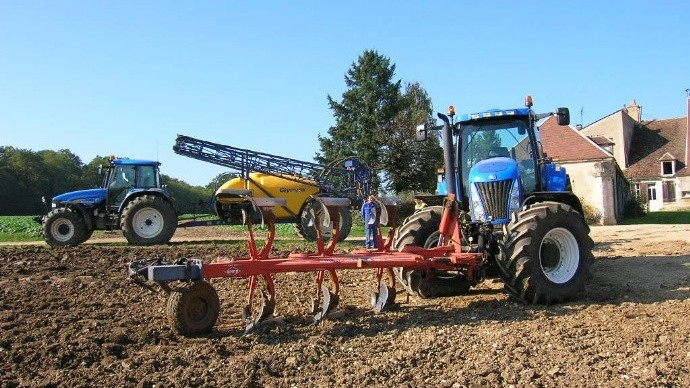 la cote agricole d 39 occasion des tracteurs new holland tg255. Black Bedroom Furniture Sets. Home Design Ideas