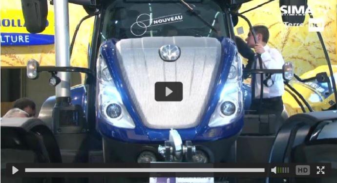 New Holland présente à l'occasion du Sima 2015 la toute nouvelle génération de tracteurs T7. ©Terre-net Média