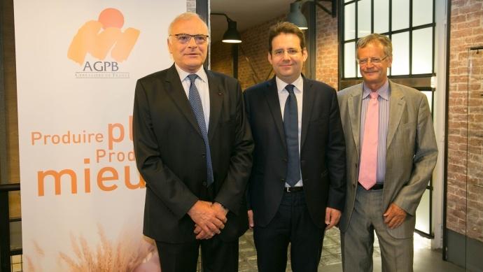 Philippe Pinta, président de l'Agpb, Matthias Fekl, secrétaire d'Etat au commerce extérieur, et Pascal Boniface, directeur de l'Iris