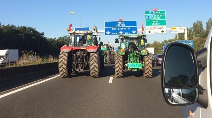 tracteurs de la Moselle en direction de Paris