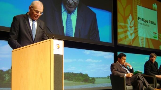 Lors du dernier Sommet du végétal, Philippe Pinta, président del'Agpb et d'Orama, a dénoncél'accroissement des normes imposées aux céréaliers.