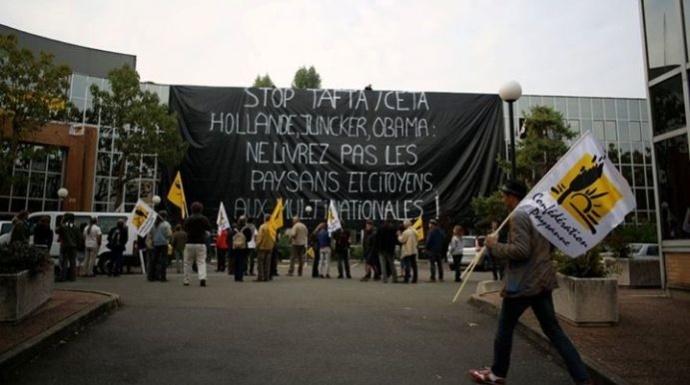 Manifestation de la Confédération paysanne contre l'accord de libre-échange entre l'UE et les Etats-Unis