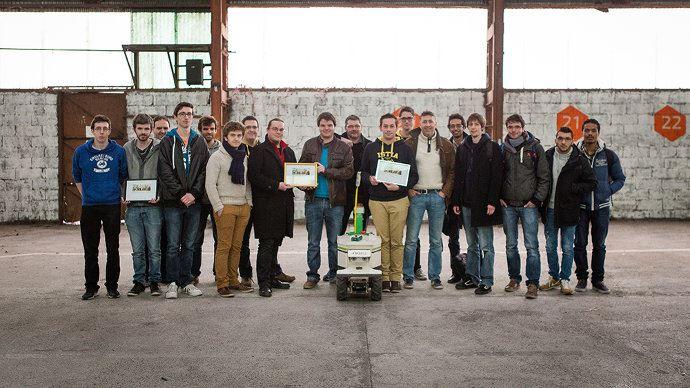 Finale du concours Move your robot 2016, la photo des gagnants