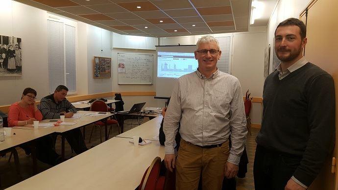 Roland Zimmermman, cofondateur de pilotersaferme.com, et Florian Bourdeloup, agriculteur double actif.