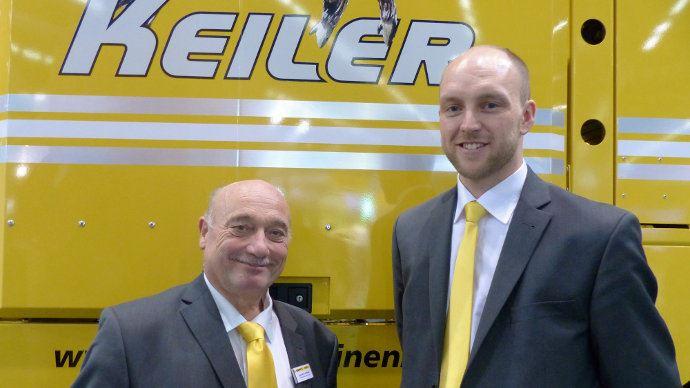 Sébastien Dillies à gauche succède à Jean-Marc Pouchain au poste de responsable communication de ROPA France.