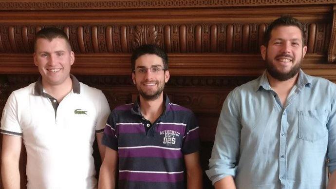 De gauche à droite, Baptiste Gattouillat, Raphaël Louison et Nicolas Sarthou, tous trois rapporteurs du document d'orientation présenté au congrès de Jeunes agriculteurs à Dunkerque sur la gestion des risques.