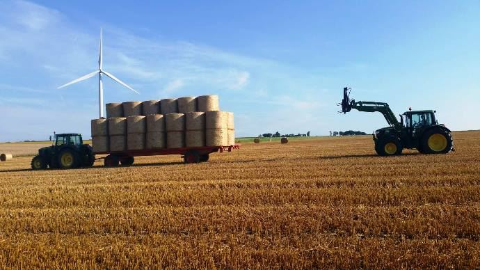 D'après un sondage de Web-agri, 49,3% des éleveurs achètent de la paille à des céréaliers cette année. Il faut veiller au prix de la paille et les échanges paille fumier sont à privilégier