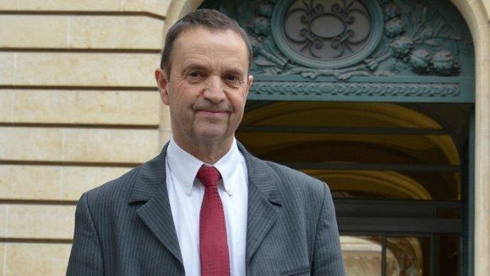 Claude Cochonneau, président de l'APCA, demande la création d'un fonds de transition pour accompagner les agriculteurs dans la mutation de leur activité.