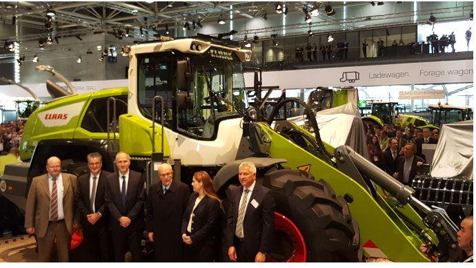 Les deux familles Claas et Liebherr étaient présentes pour dévoiler la nouvelle gamme de produits issus de leur partenariat