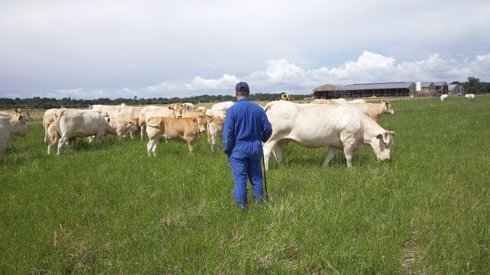 Les agriculteurs sont de plus en plus nombreux à communiquer sur leur métier afin de faire oublier leurs idées reçues au grand public mais aussi pour se défendre des accusations des détracteurs de la filière.