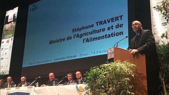 Stéphane Travert, devant les éleveurs de la Fédération nationale bovine, le 7 février 2018.