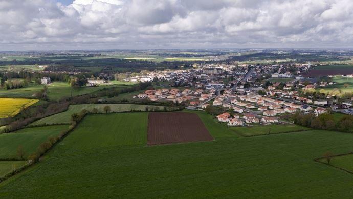 Vue aérienne sur des terres agricoles