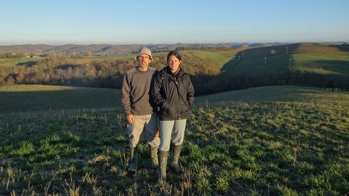 Jérôme et Anne-Claire Laberenne, agriculteurs à Labéjan, dans le Gers, cherchent à limiter l'érosion sur leurs parcelles.