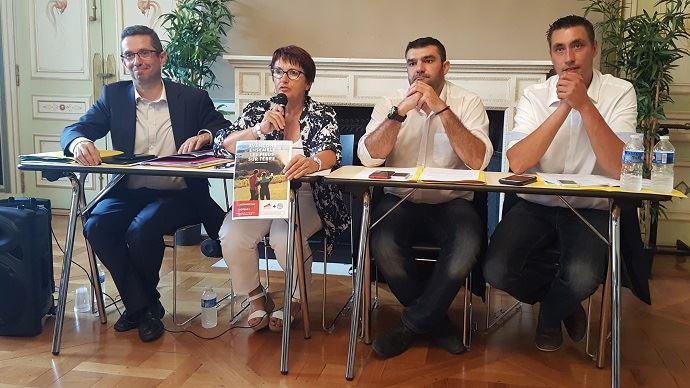 Jérôme Despey, Christiane Lambert, Jérémie Decerle et Samuel Vandaele, les quatre leaders des réseaux FNSEA et Jeunes agriculteurs, ont présenté leur projet commun de campagne pour les élections chambres d'agriculture 2019, mardi 18 septembre 2018.