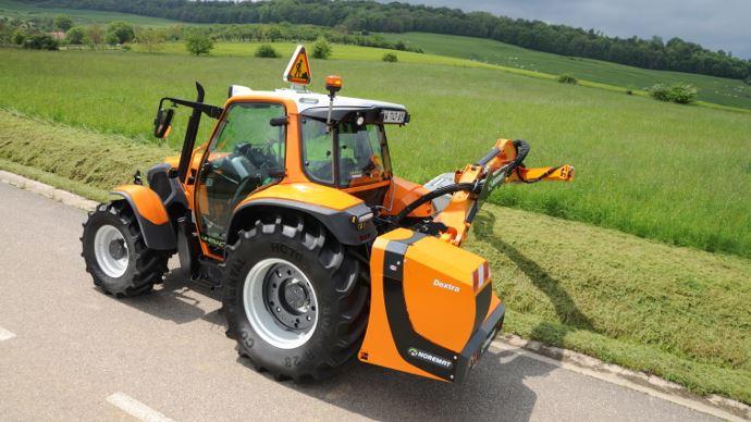 Tracteur de fauche Lindtrac with Noremat