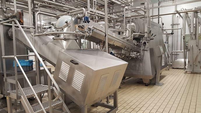 Contrairement au beurre destiné à une seconde transformation, le beurre de baratte est beaucoup plus lent à produire.