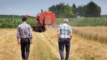 Face au défi des départs en retraite massifs d'agriculteurs dans les 10 ans