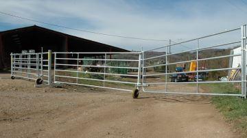 Des barrières tout terrain faciles à installer (même en pente!)