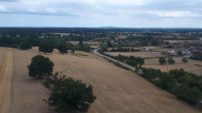 Charrin, village de la Nièvre, sous les affres de la sécheresse.