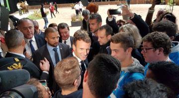 Emmanuel Macron propose de construire des abattoirs pour soutenir les éleveurs