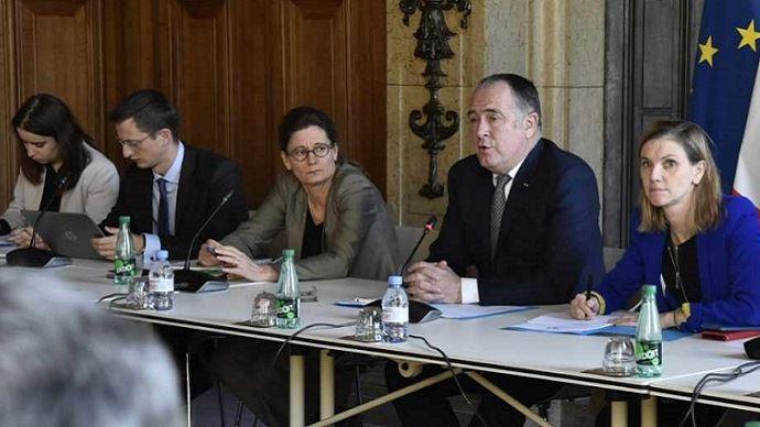 Le ministre de l'Agriculture et la secrétaire d'Etat auprès du ministre de l'Economie ont réuni un comité de suivi des relations commerciales le 10 décembre