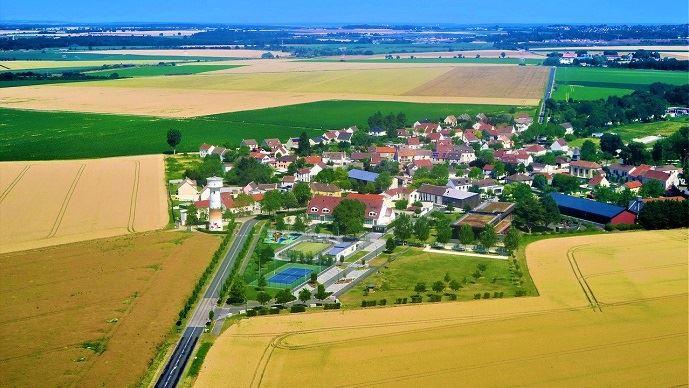 Champs et village