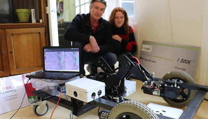 Laurent et Alice Viet, devant le LVR2