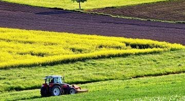 Bruxelles veut moins de pesticides, plus de bio, les agriculteurs inquiets