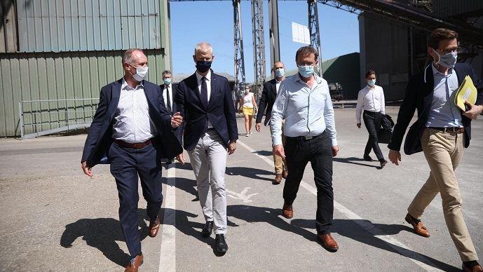 Franck Riester, ministre délégué au commerce extérieur en visite au silo portuaire de Nord Céréales, vendredi 31 juillet 2020.