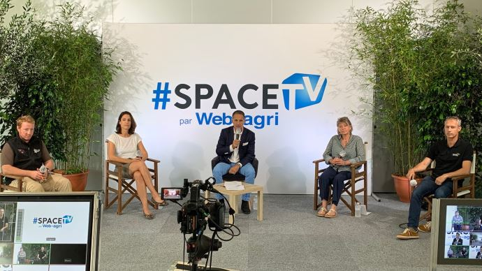 Etienne Fourmont, Gabrielle Dufour, Dominique Gautier et Hervé Le Prince ont débattu de la communication autour de l'élevage, le 16 septembre, au Space.