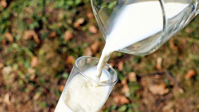 La crise sanitaire a nettement amélioré le solde commercial français en produits laitiers au 1er semestre 2020.