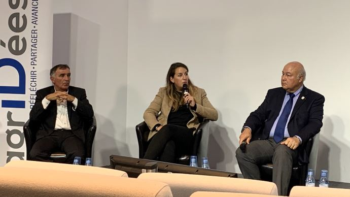 François Mandin, Emilie Bondoerffer et Paul Luu lors de la conférence organisée par le think tank Agr'iDées, le 29 septembre.