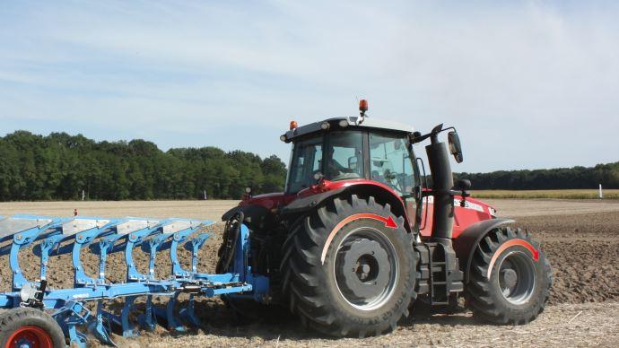 la prépondérance des roues de tracteur