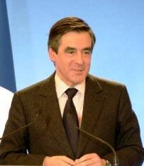 François Fillon rassure avant de décider