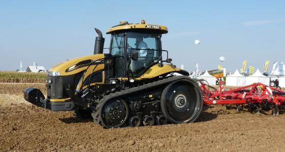 Challenger dévoile sa quatrième génération de tracteurs à chenilles : les MT 700D