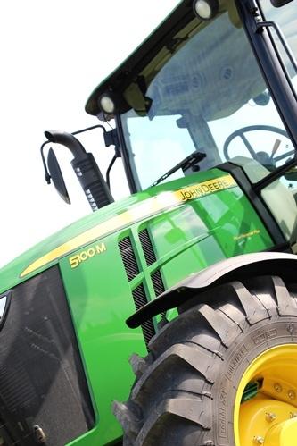 En 2008, sur le créneau 80-120 ch John Deere proposait à la vente 14 modèles de tracteurs. 5 ans après, ce sont 27 modèles qui sont au catalogue, sans parler des nombreuses versions disponibles.