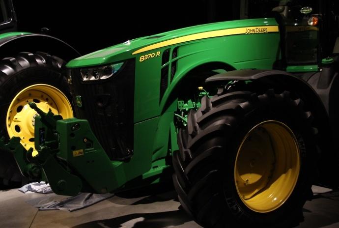Le 8370R est avec ses 370 ch le modèle le plus puissant de la gamme.