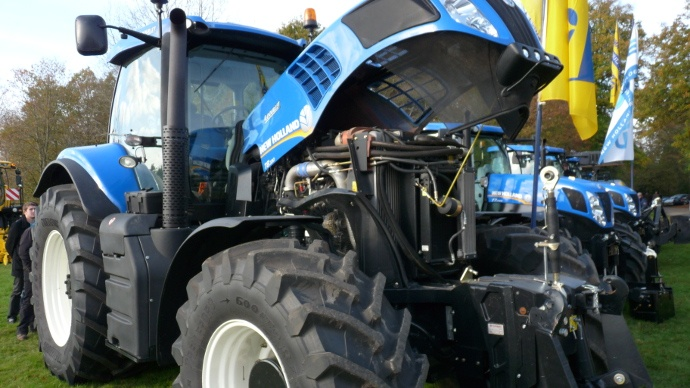 tracteur New Holland T8
